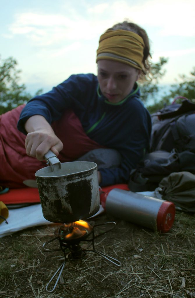 backpacking tips for beginners for bringing food