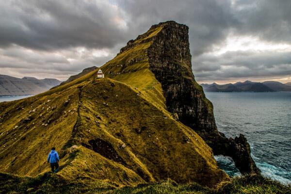Cliff hiking the Faroe Islands