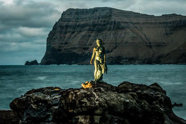Selkie statue in Mikladalur