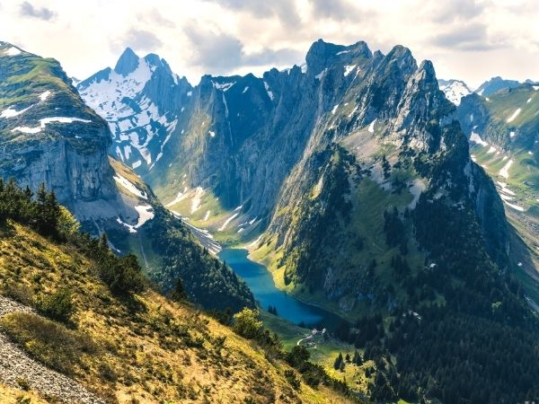 Fälensee hiking switzerland