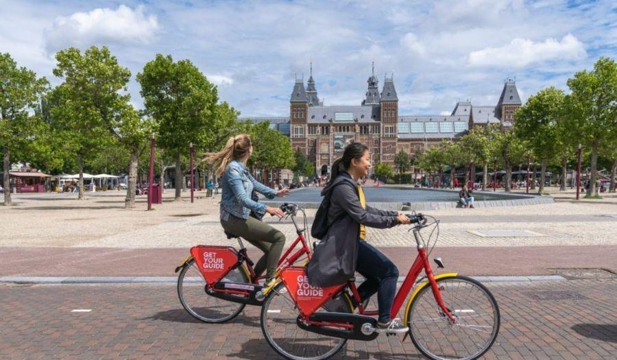 Biking Amsterdam