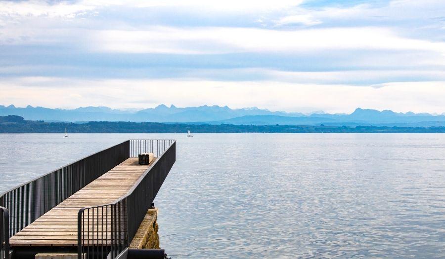 lakes of Neuchâtel tours Bike Switzerland