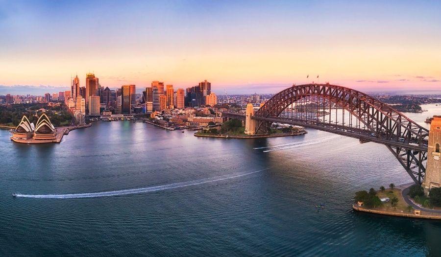 Sydney - Brisbane - Sydney Australia