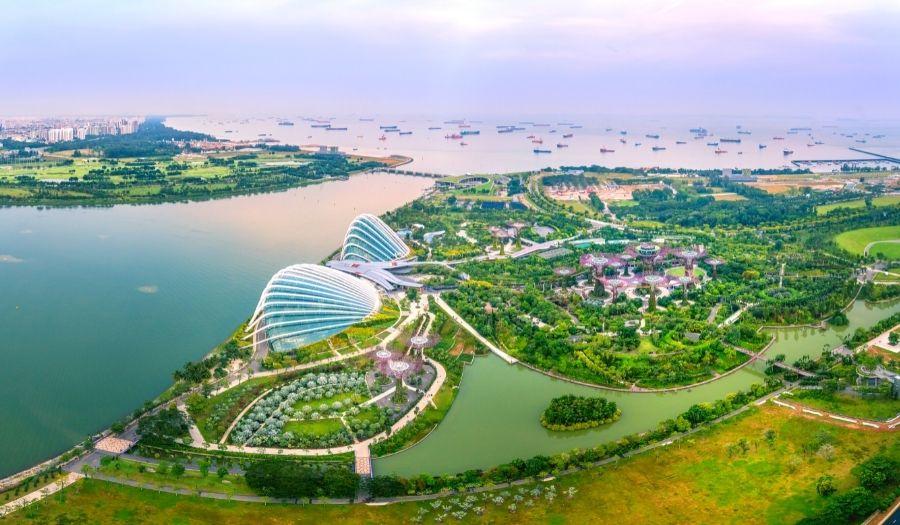 Gardens by the Bay Singapore Skyline