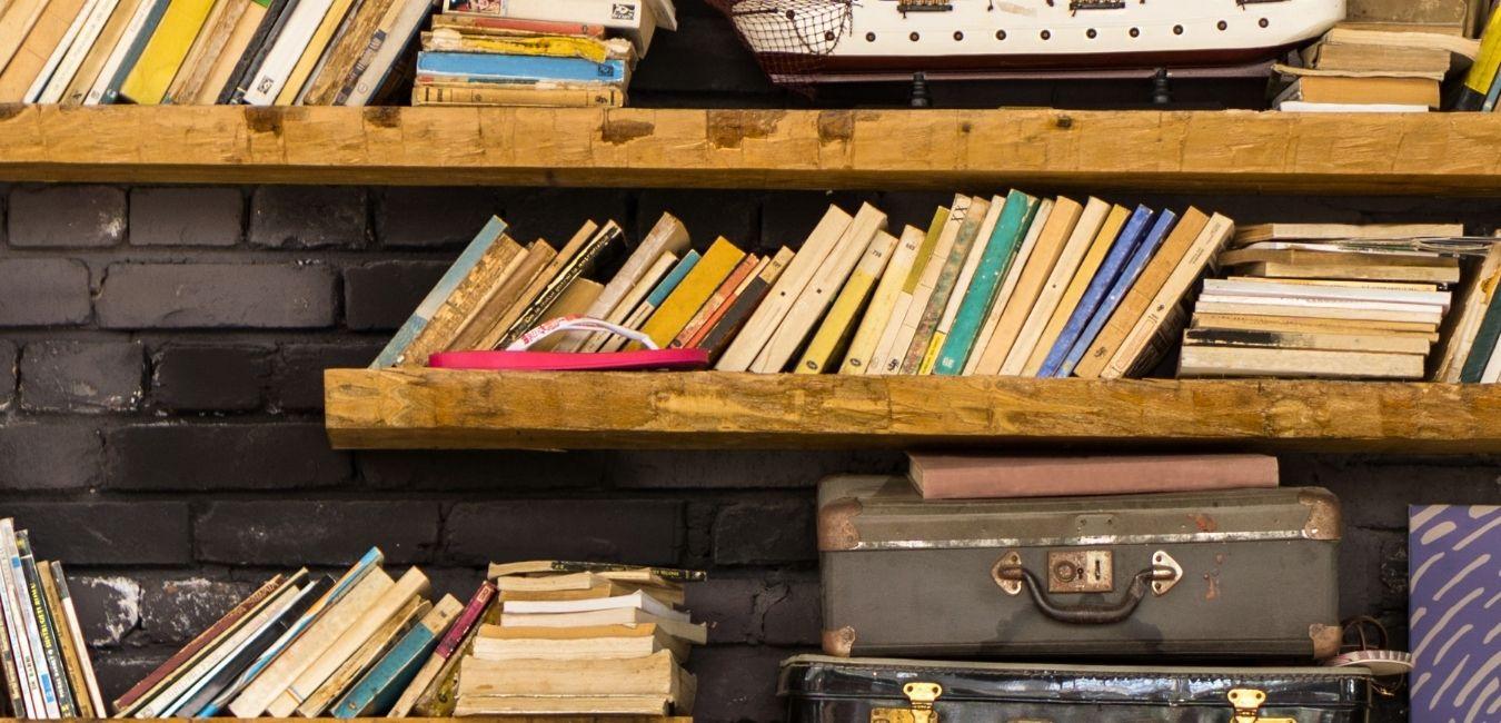 Travel Books Header